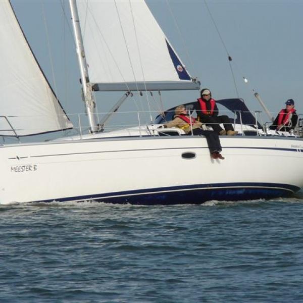 Bavaria 37 Cruiser huren Makkum
