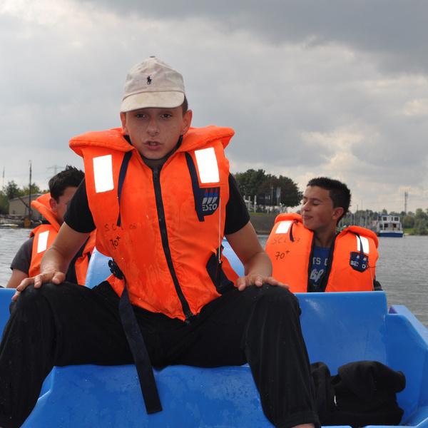 Waterfiets huren Ophoven