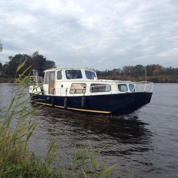 Kajuitmotorboot huren Midwolda