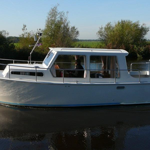 Freule 2 persoons compacte boot huren Heerenveen