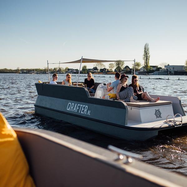 Qrafter loungeboot huren Loosdrecht